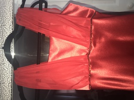 Red Size 2 Straight Dress on Queenly