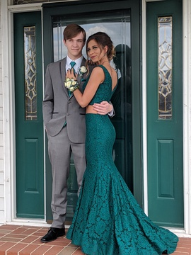 Queenly size 2 Sherri Hill Green Mermaid evening gown/formal dress