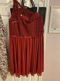 Red Size 16 Straight Dress on Queenly