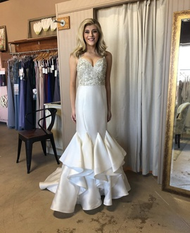 Queenly size 2 Jovani White Mermaid evening gown/formal dress