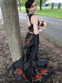 Sherri Hill Black Size 2 Red Two Piece Mermaid Train Dress on Queenly