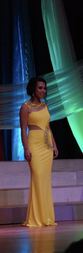 Yellow Size 4 Straight Dress on Queenly