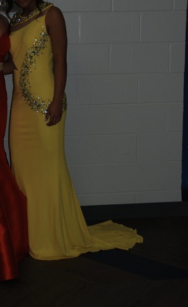 Queenly size 4  Yellow Straight evening gown/formal dress