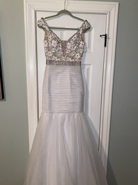 Queenly size 6 Sherri Hill White Mermaid evening gown/formal dress