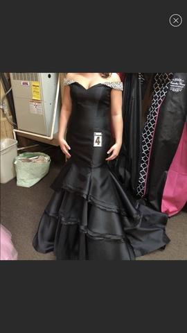 Jovani Black Size 10 Mermaid Dress on Queenly