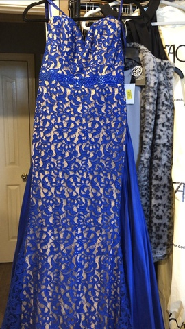 Jovani Blue Size 2 Red Lace Train Dress on Queenly