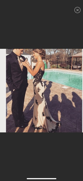 Jovani Nude Size 6 Prom Straight Dress on Queenly