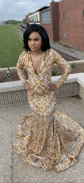 Queenly size 4  Gold Train evening gown/formal dress