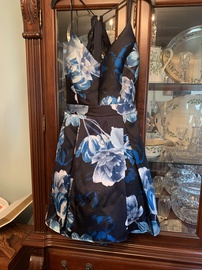 B. Darlin Black Size 8 Backless Floral Cocktail Dress on Queenly