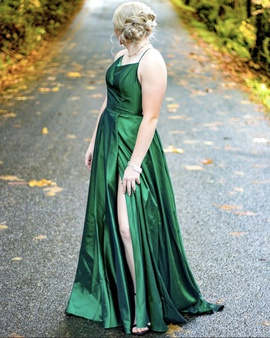 Queenly size 6 Sherri Hill Green Ball gown evening gown/formal dress