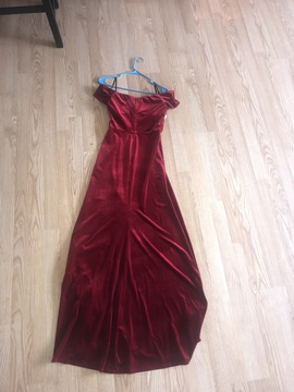 Red Size 8 Side slit Dress on Queenly