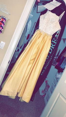 Queenly size 0  Yellow Side slit evening gown/formal dress