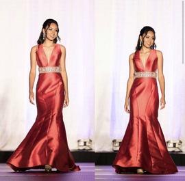 Mac Duggal Red Size 4 Silk Mermaid Dress on Queenly