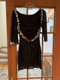 Black Size 2 Cocktail Dress on Queenly