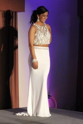 Tony Bowls White Size 2 Short Height Beaded Straight Dress on Queenly
