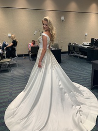 Sherri Hill White Size 0 Custom Ball gown on Queenly