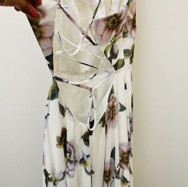 Faviana Multicolor Size 8 A-line Print Lace Side slit Dress on Queenly