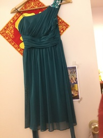 Green Size 2 Cocktail Dress on Queenly