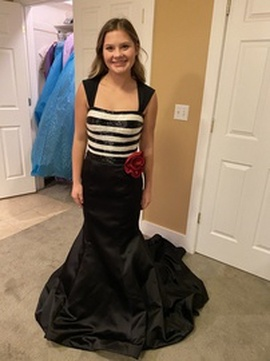 Queenly size 2 Sherri Hill Black Mermaid evening gown/formal dress