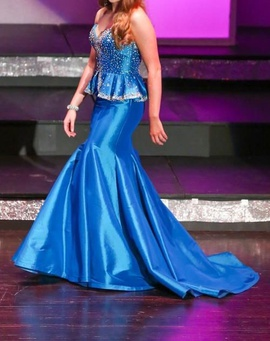 Mac Duggal Blue Size 4 Beaded Train Dress on Queenly