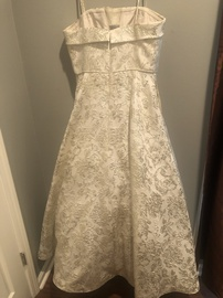 Dave & Johnny Gold Size 14 Plus Size Ball gown on Queenly