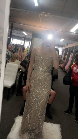 Jovani Nude Size 0 Straight Dress on Queenly