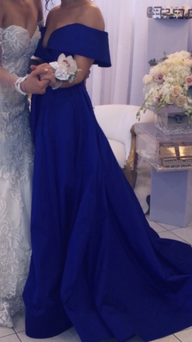 Tarik Ediz Blue Size 2 Ball gown on Queenly
