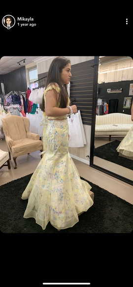 Yellow Size 8 Mermaid Dress on Queenly