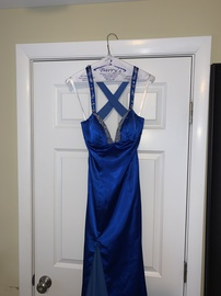 Tony Bowls Blue Size 4 Backless Ball gown on Queenly