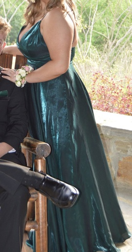 Sherri Hill Green Size 18 Prom Plus Size Red A-line Dress on Queenly