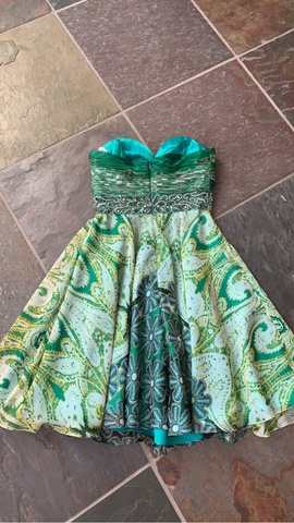 Tony Bowls Green Size 4 Strapless Print Cocktail Dress on Queenly