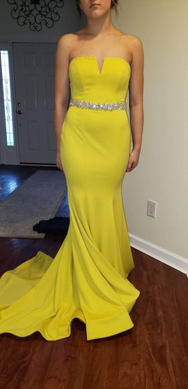 Queenly size 6 Jovani Yellow Straight evening gown/formal dress