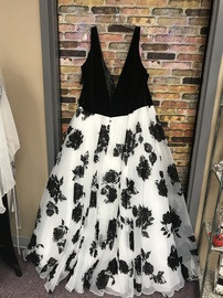 Multicolor Size 32 Ball gown on Queenly
