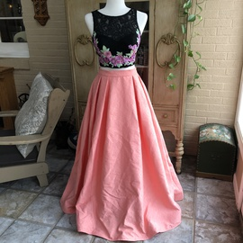 Queenly size 2 Mac Duggal Multicolor A-line evening gown/formal dress