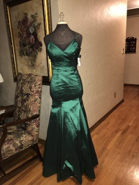 Queenly size 8  Green Mermaid evening gown/formal dress