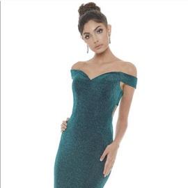 Queenly size 8 Ashley Lauren Green Mermaid evening gown/formal dress