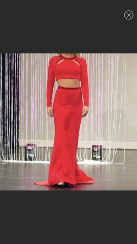 Sherri Hill Red Size 0 Straight Dress on Queenly
