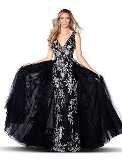 Queenly size 00 Vienna Black A-line evening gown/formal dress