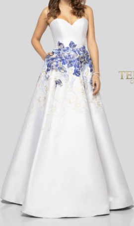 Terani Couture White Size 6 Strapless Floral Ball gown on Queenly