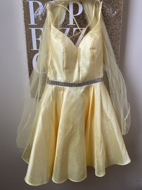 Queenly size 8  Yellow Cocktail evening gown/formal dress