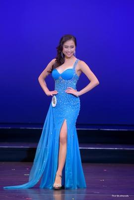 Queenly size 4  Blue Side slit evening gown/formal dress
