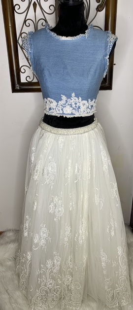 Sherri Hill White Size 4 Straight Dress on Queenly
