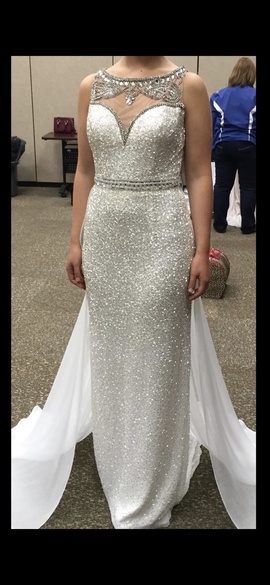 Sherri Hill White Size 4 Medium Height Straight Dress on Queenly