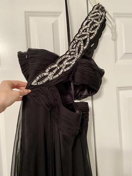 Cassandra Stone Black Size 0 Medium Height Side slit Dress on Queenly