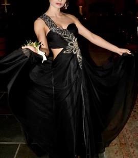 Queenly size 0 Cassandra Stone Black Side slit evening gown/formal dress