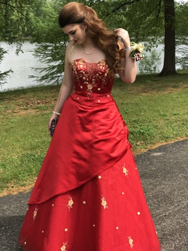 Queenly size 8  Red Ball gown evening gown/formal dress