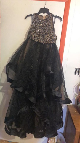 Queenly size 6  Black Ball gown evening gown/formal dress
