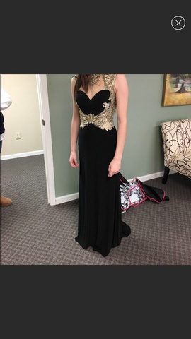 Queenly size 2 Tony Bowls Black Straight evening gown/formal dress