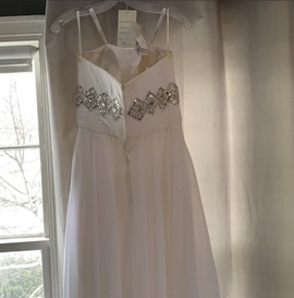 Tony Bowls White Size 8 Fitted Ball gown on Queenly