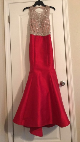 Queenly size 2 Xscape Red Mermaid evening gown/formal dress